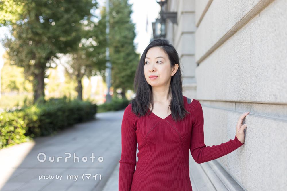 街中や公園で上品なプロフィール写真の撮影
