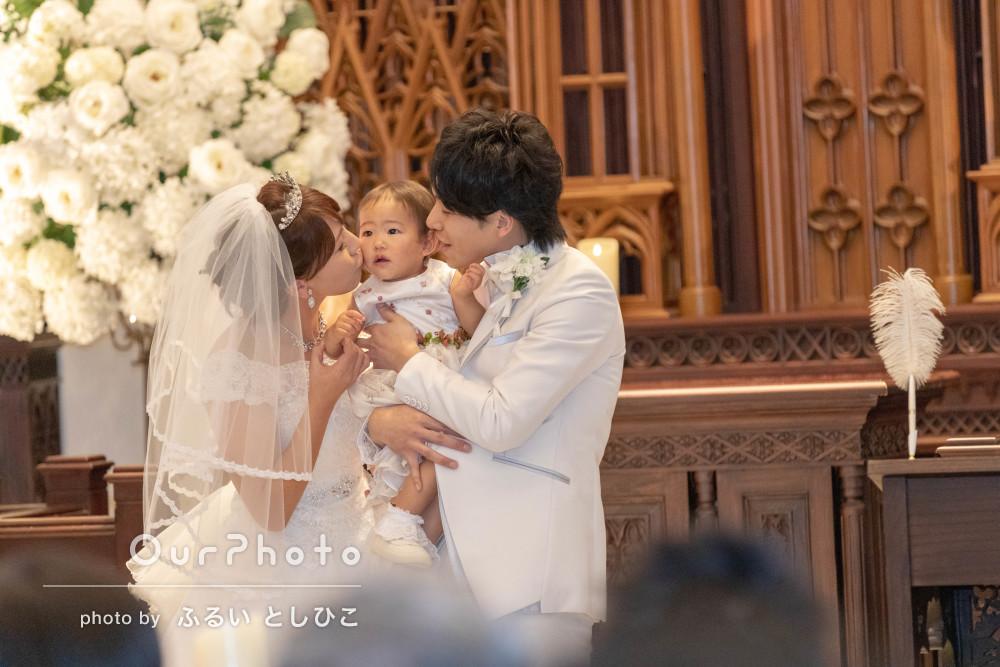 純白の衣装で教会挙式!幸せ広がるウェディングフォトの撮影