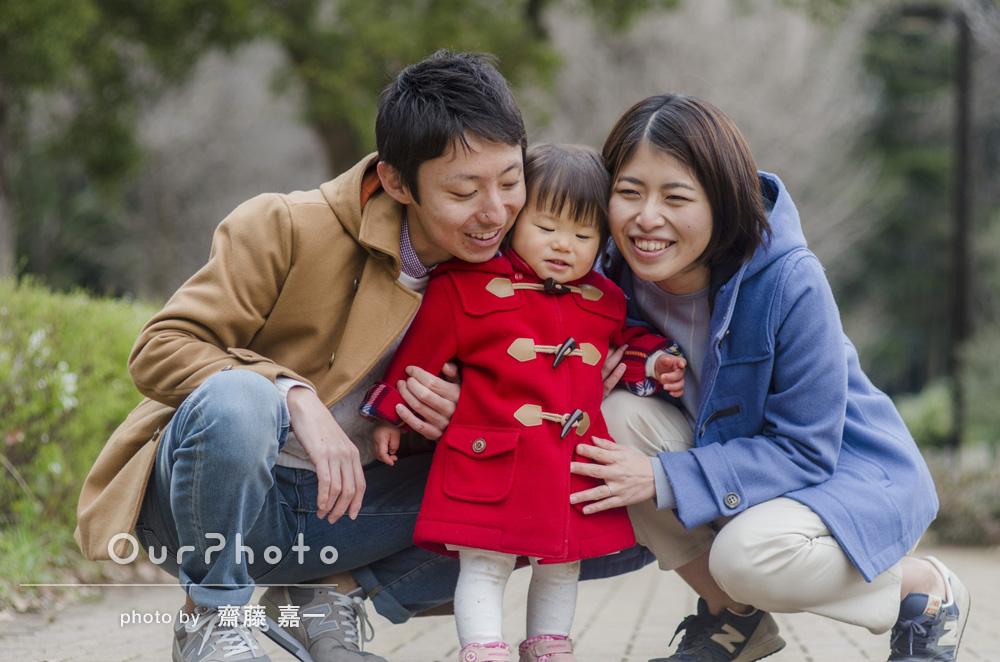 「春な感じ出ていて、娘の表情の捉え方もさすが。1歳半の良い記念になりました!」家族写真の撮影