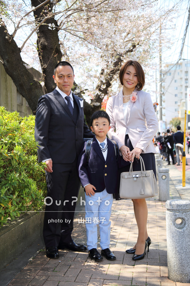 「小学校の入学式記念と新居記念の写真をお願いします」家族写真の撮影