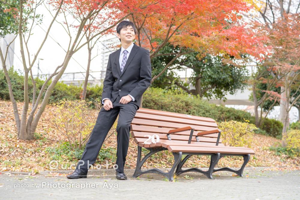 スーツでも気軽に!「思い出に残る」成人式の前撮り写真の出張撮影