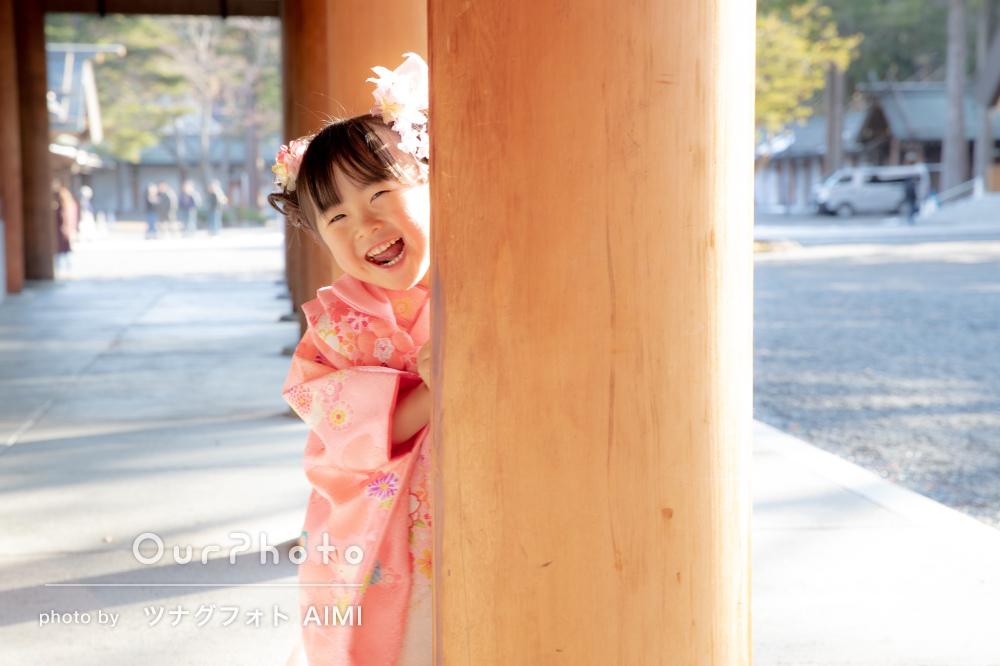 自然の光をうまく使って温か笑顔が魅力的な七五三とお宮参りの撮影
