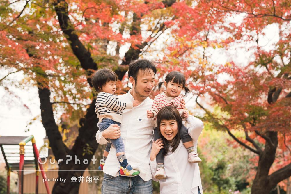 双子のニコニコ笑顔を今年も!リピータさまの家族写真の撮影