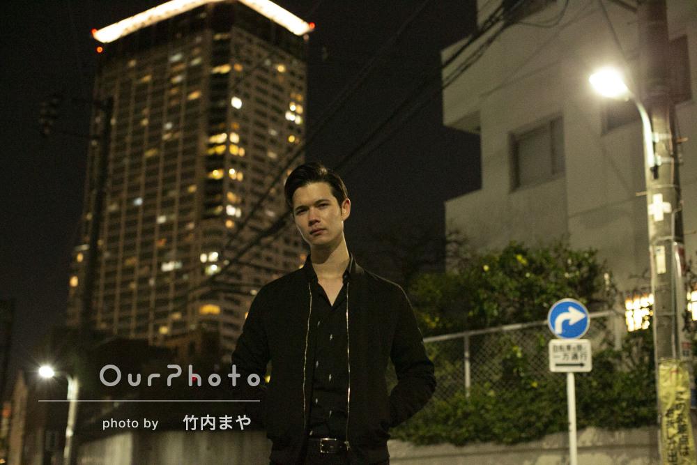 「夜の東京をテーマに」クールなプロフィール写真の撮影