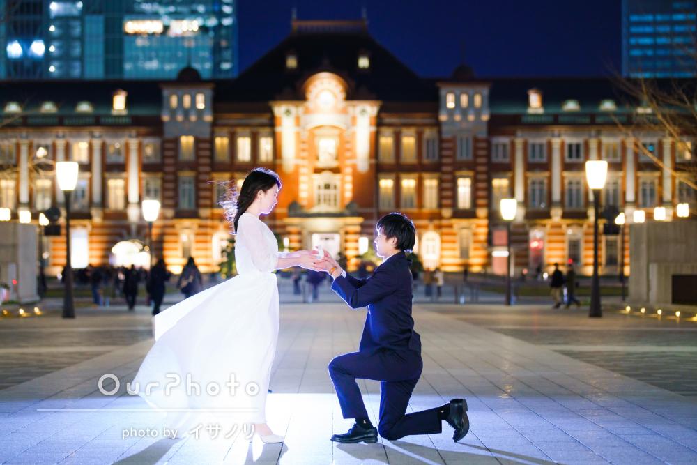 夜の街中で!白いドレスが美しいウェディングフォトの撮影
