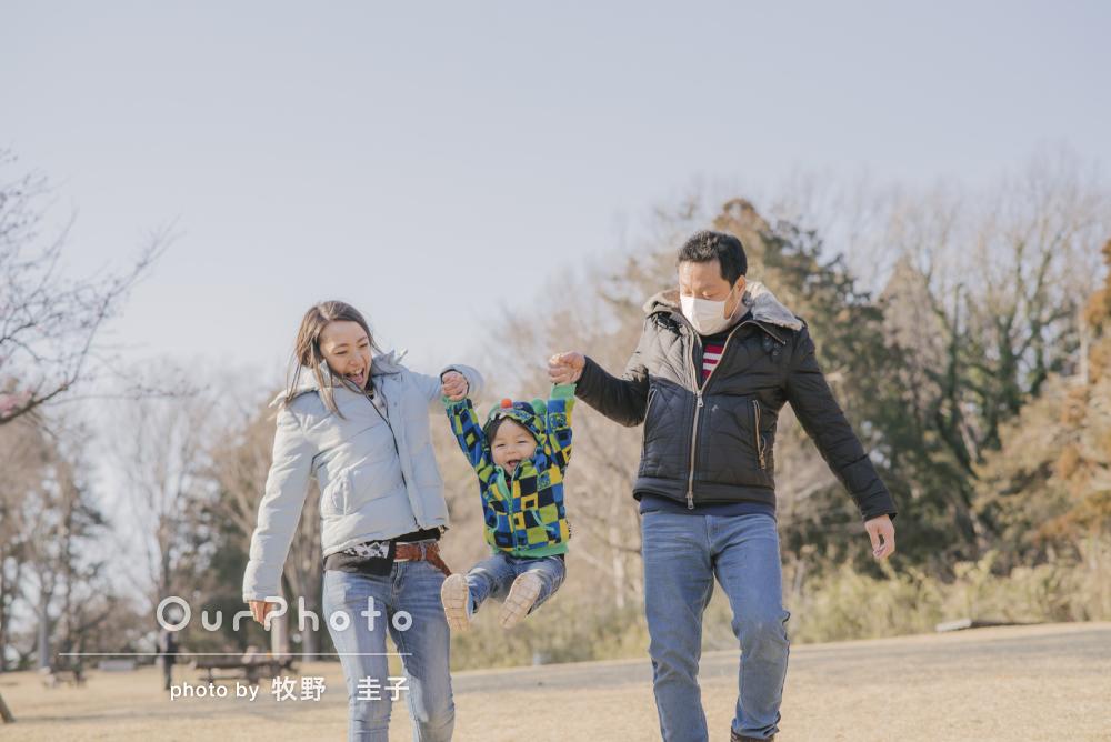 「自然な笑顔」お子様の2歳記念に家族でカジュアルフォト撮影