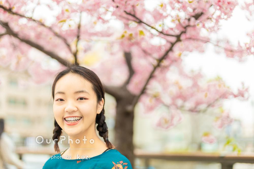 「アングルやポージングのアドバイスも」桜をバックにプロフィール写真