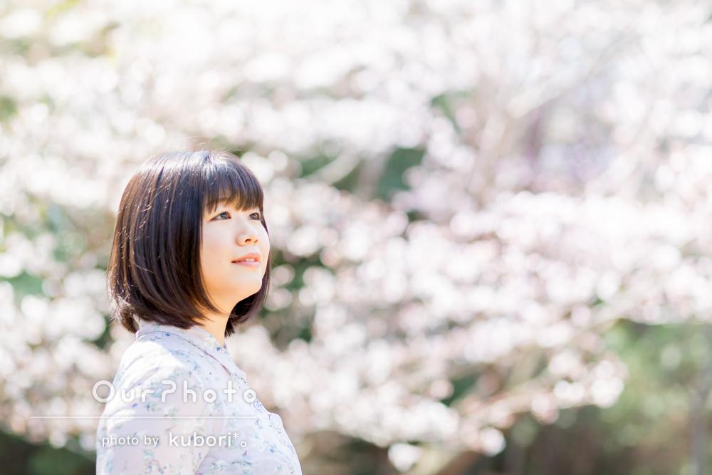 満開の桜や菜の花とともに!春らしい女性プロフィール写真の撮影