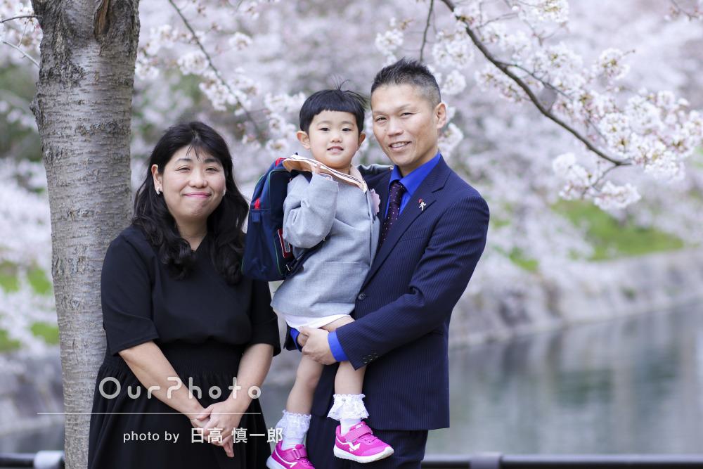 3歳の娘さまの入園記念に!桜シーズンの家族写真の撮影