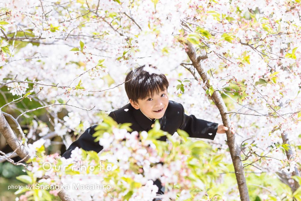 ピカピカの1年生!小学校入学式の当日に!元気いっぱいな記念写真