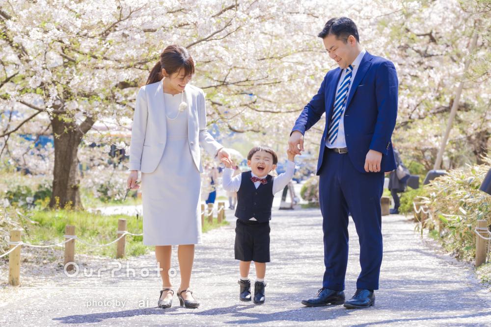 「息子の入園の家族写真を桜の見頃に合わせて」家族写真の撮影