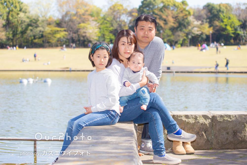「自然な笑顔で大満足です」リンクコーデで家族写真の撮影