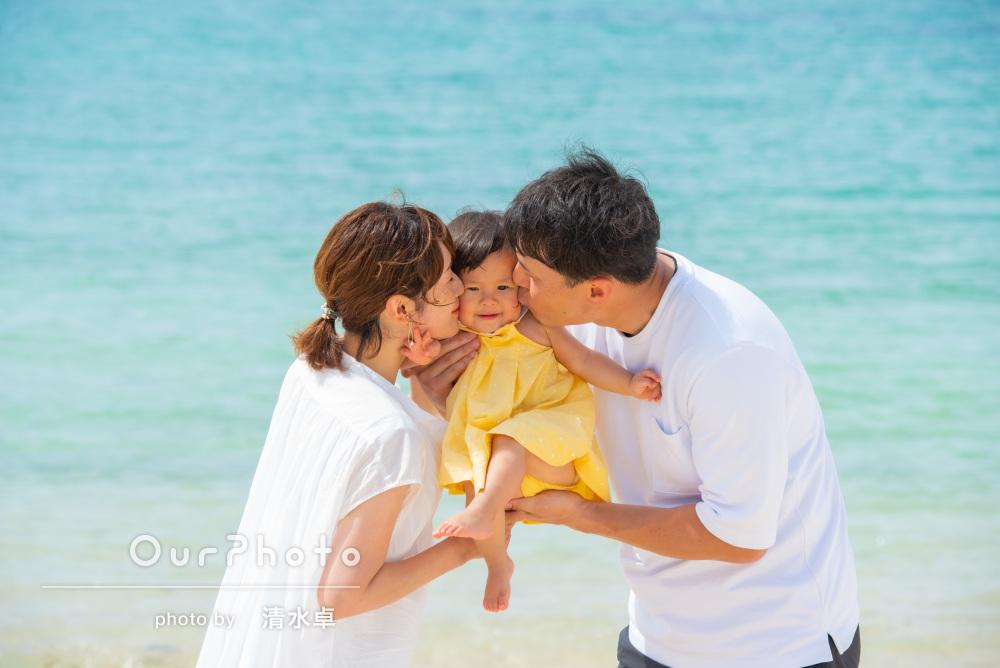 「一生の思い出に残る写真」石垣島のビーチで家族写真の撮影