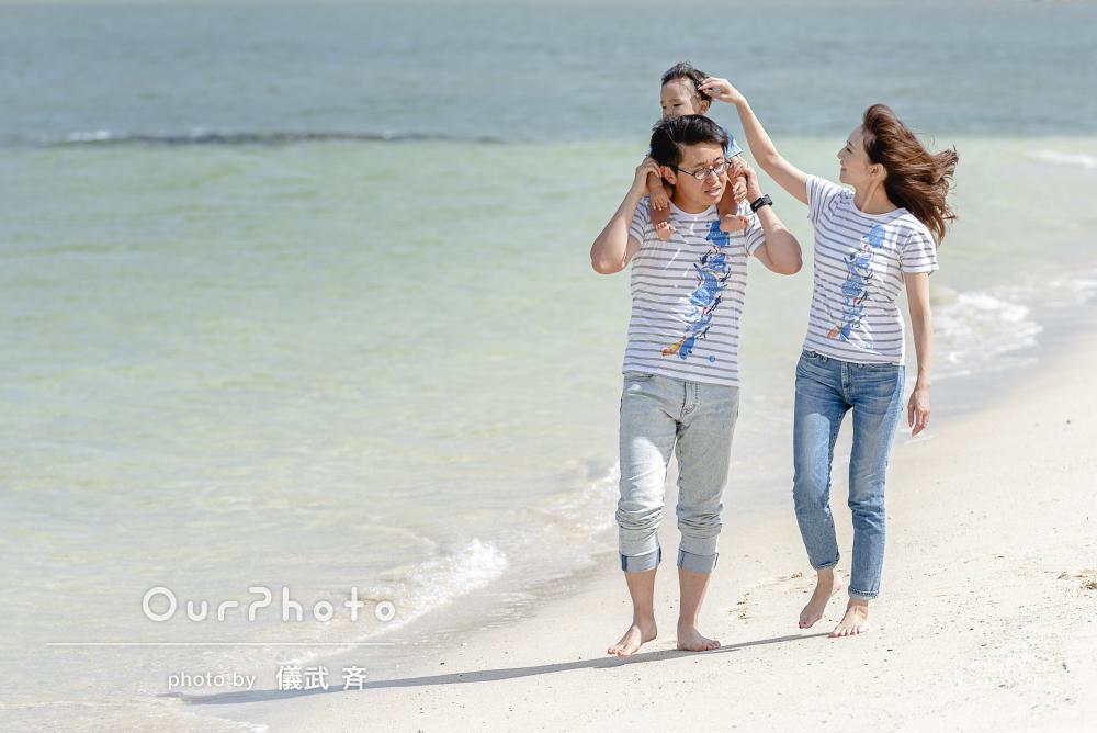 沖縄の美しい海をバックに☆家族の記念写真の撮影