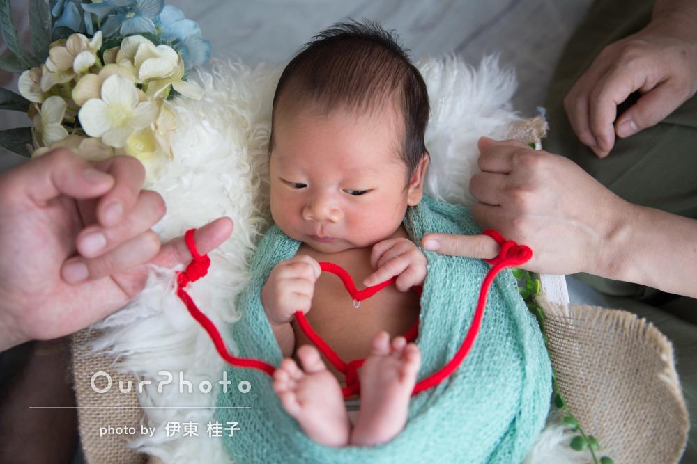 愛情たっぷり幸せいっぱい!家族みんなでニューボーンフォトの撮影
