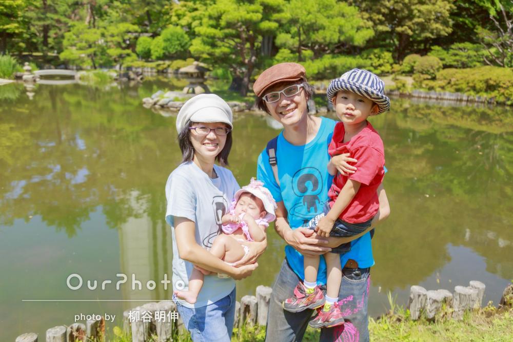 「とても楽しい撮影会」色違いのTシャツで公園遊び!家族写真の撮影
