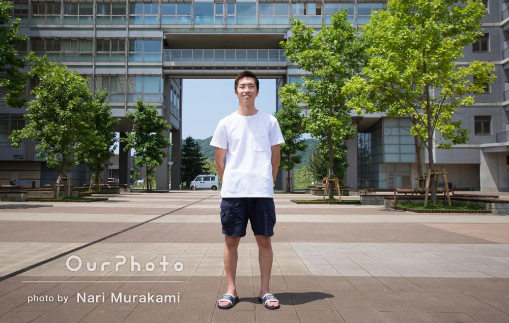 大学のキャンパスで爽やかに!プロフィール写真の撮影