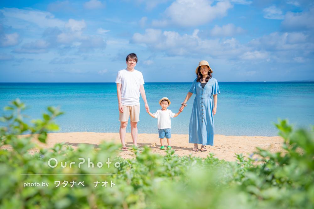 「2歳の子供もグズることなく和やかに」夏の沖縄の海で家族写真を撮影