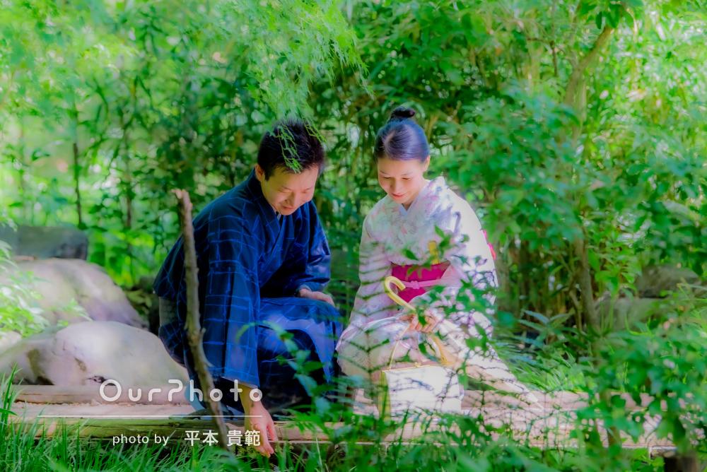 美しい緑に包まれて流れる2人の優しい時間!カップルフォトの撮影