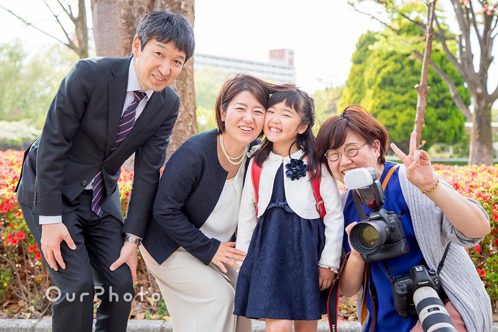 ご依頼者ご家族とフォトグラファーで集合写真