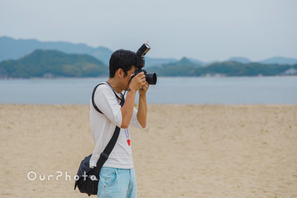 初夏のビーチで海を背景に!爽やかなリンクコーデの家族写真撮影を取材2